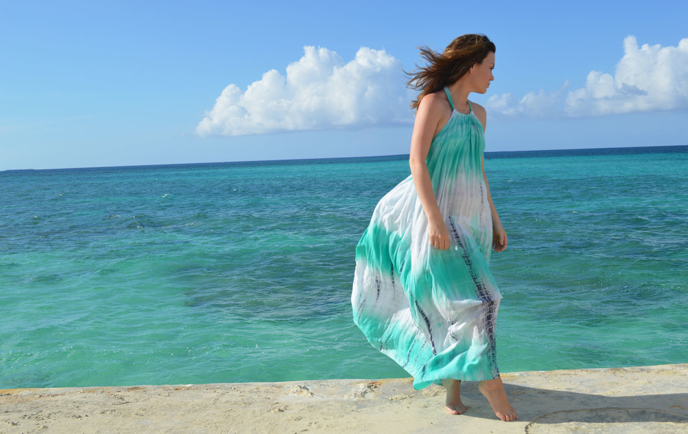 Mermaid-Dress-Nassau-Bahamas-Style-Blogger-FromCtoC-Beach-Ocean.jpeg