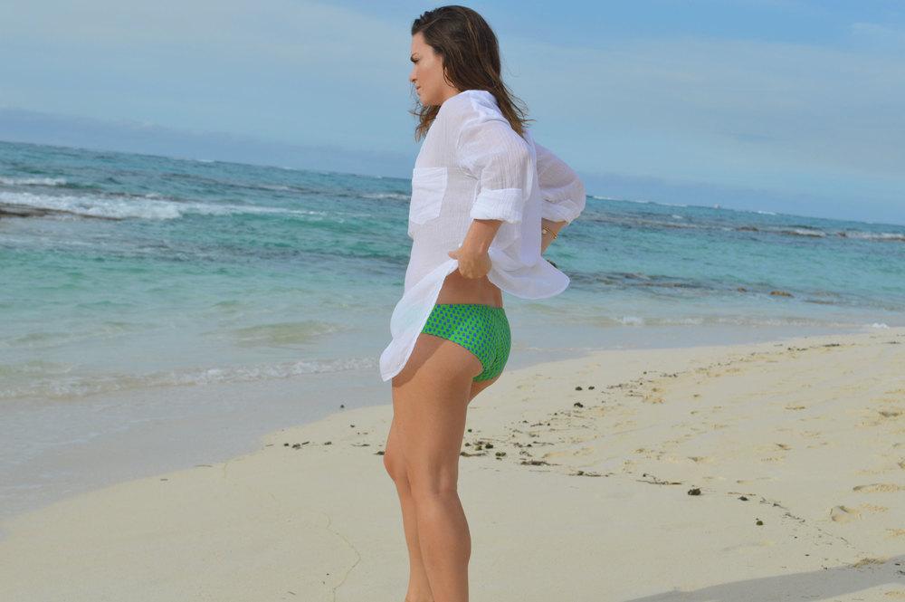 Aerie-Swim-bottoms-coverup-shirt-Gorjana-Rocksbox-nassau-bahamas-fromctoc-style-blogger.jpeg