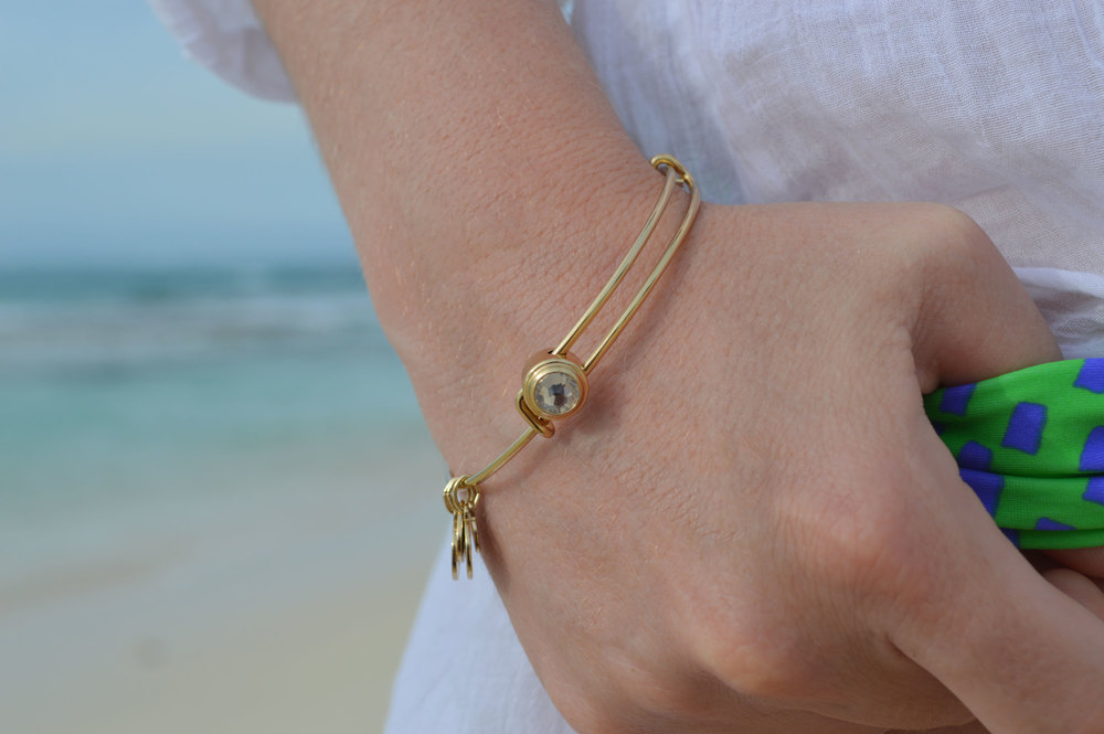 Aerie-Swim-Gorjana-Rocksbox-nassau-bahamas-fromctoc-style-blogger-Alex-and-Ani-Feather-Necklace-energy-bangle.jpeg
