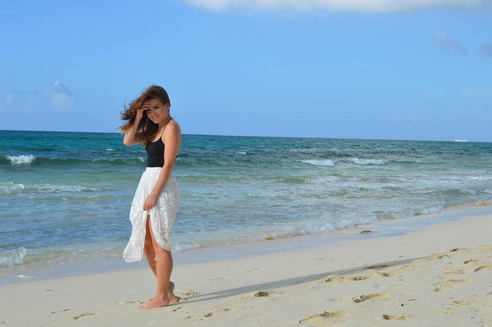 U-by-kotex-nassau-bahamas-savetheundies-campaign-style-blogger-forever21-white-lace-midi-skirt-black-tank.jpeg