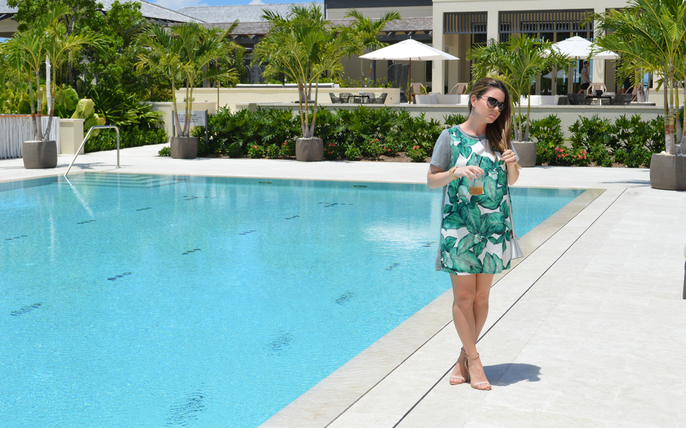 leaf-dress-bahamas-island-house-blogger-maternity-style.jpeg