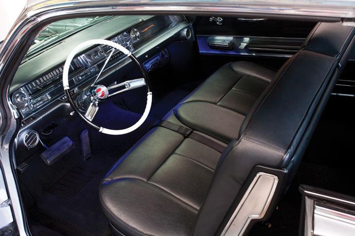 Cadillac-Coupe-de-Ville-09.jpg