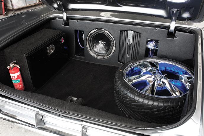 Cadillac-Coupe-de-Ville-06.jpg
