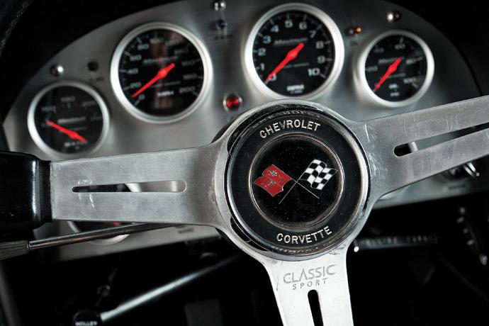 Chev-Corvette-05.jpg
