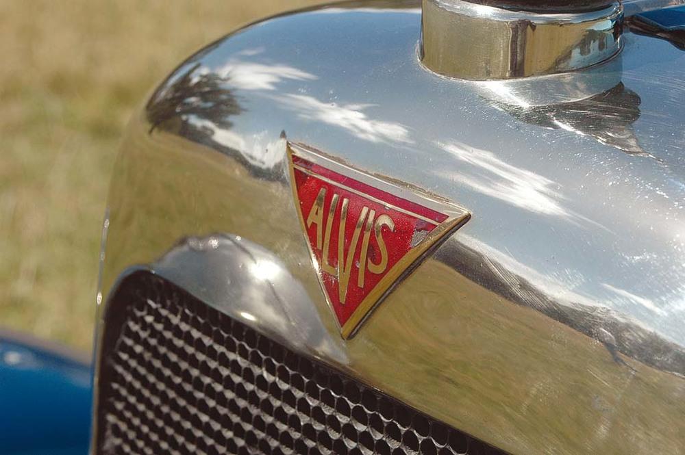 Alvis-1250-grille.jpg