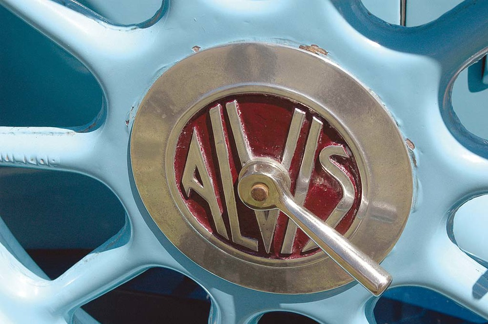 Alvis-1250-wheel.jpg