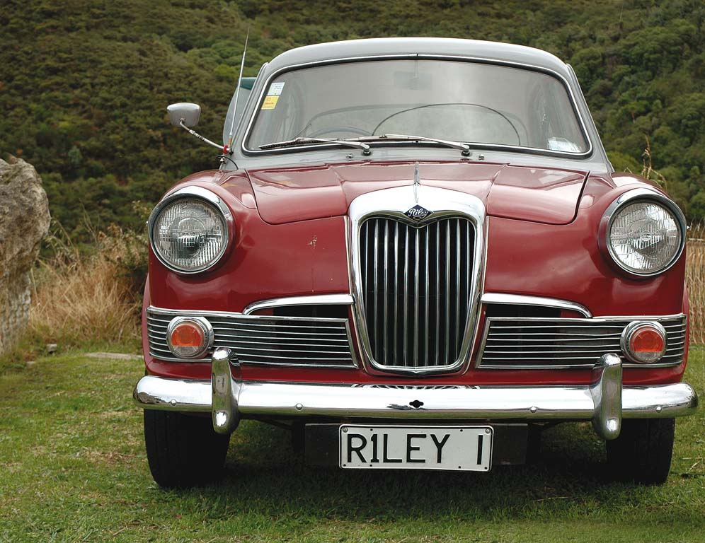 Riley-One-Point-Five-f.jpg
