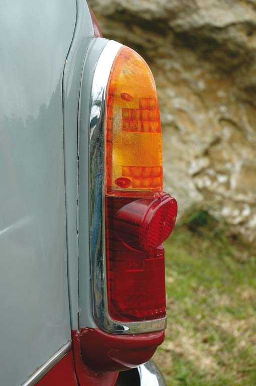 Riley-One-Point-Five-taillight.jpg