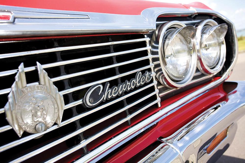 Chevrolet-Imapala-Caravelle-Caravan-ext-det4.jpg