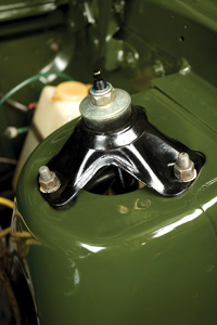 Ford-Falcon-XY-GT-engine-detail.jpg