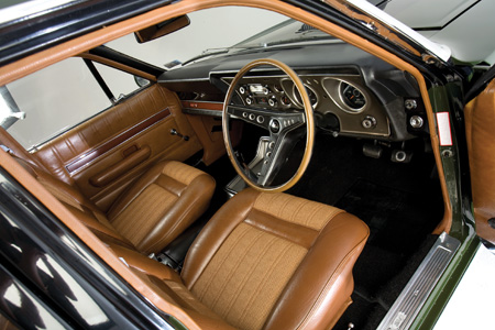 Ford-Falcon-XY-GT-interior.jpg
