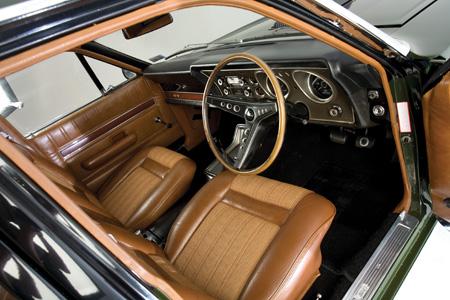 Ford-Falcon-XY-GT-interior.jpg