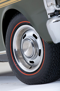 Ford-Falcon-XY-GT-wheel.jpg