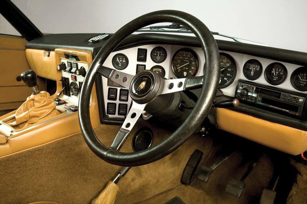 Lamborghini-Espada-interior.jpg