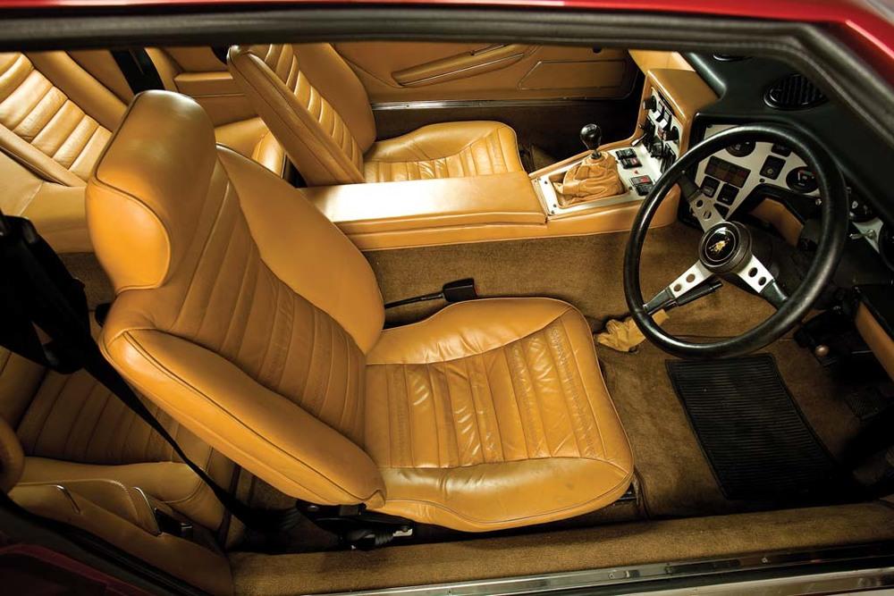 Lamborghini-Espada-interior2.jpg