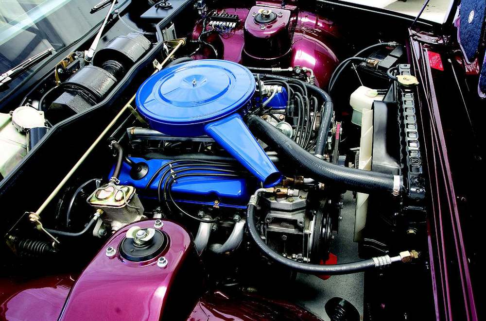 Leyland-P76-Engine.jpg