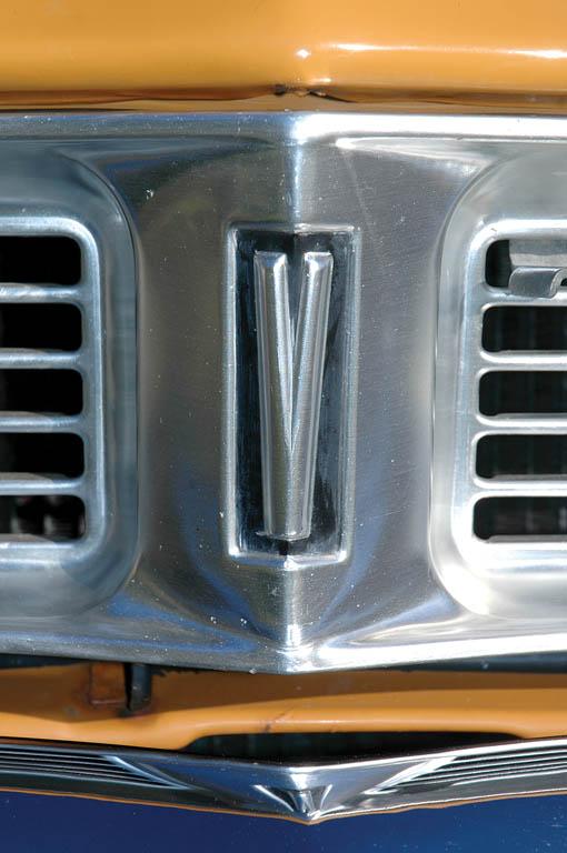 Vauxhall-Viva-1300-CC215-ext-det7.jpg