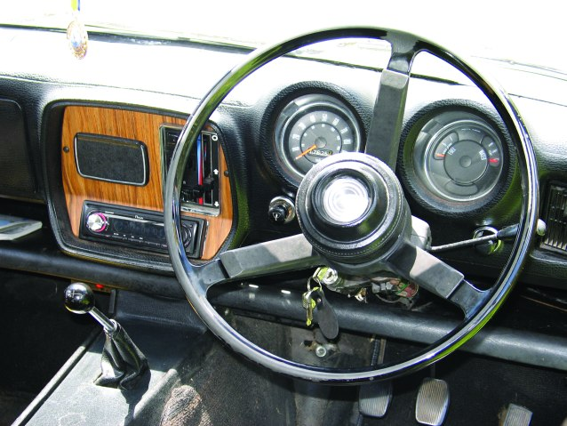 Hillman-Hunter-wagon-st-wheel.jpg