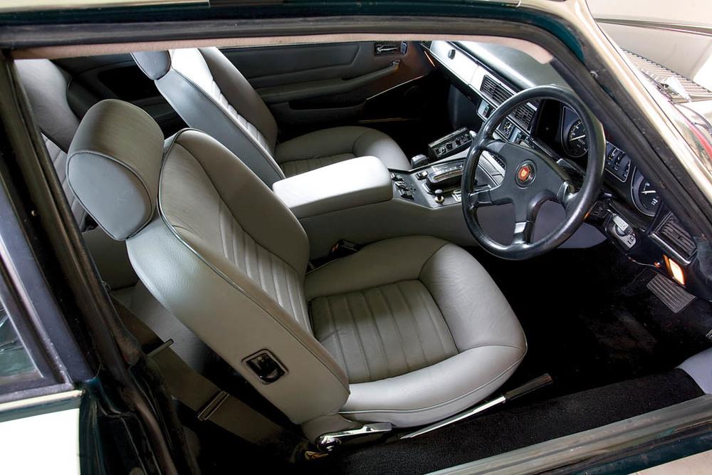 Jaguar-XJS-S-V12-CC226-int.jpg