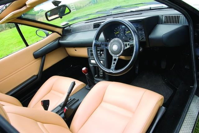 Lancia-Montecarlo-interior.jpg