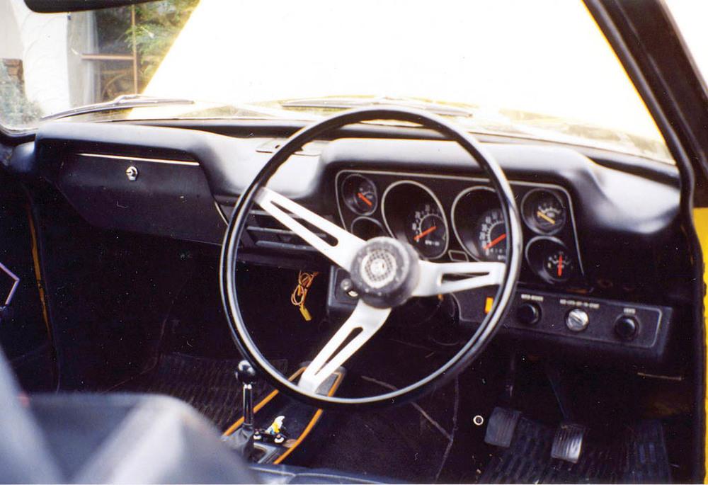 Holden-Torana-GTR-XU-1-int.jpg