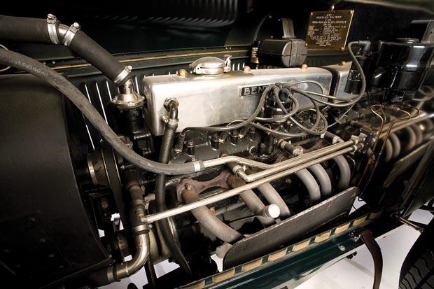 Blower-Bentley-A-Legend-Reborn-NZCC-211-09.jpg