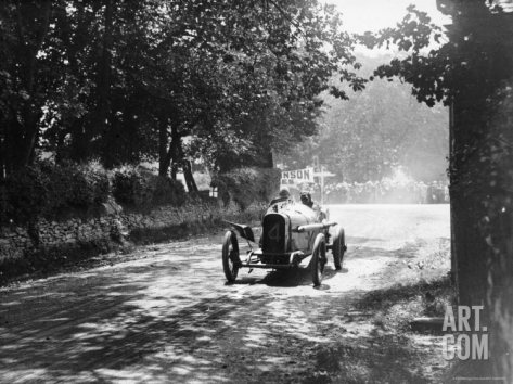 Kenelm Lee Guiness spurring his Sunbeam on to victory at the 1914 Tourist Trophy race