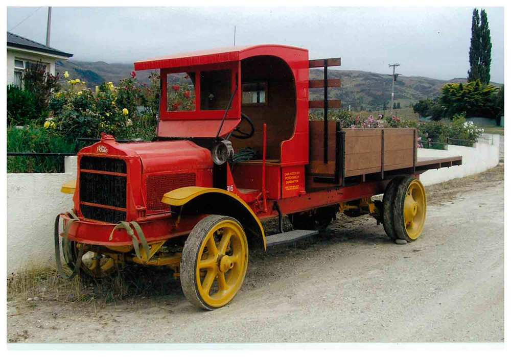 A 1916 White truck, seen on the roadside at Roxburgh — note the solid rubber tyres!