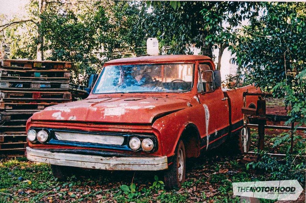 Derelict '70 s Chev pickup, Puerto Iguazú, Argentina
