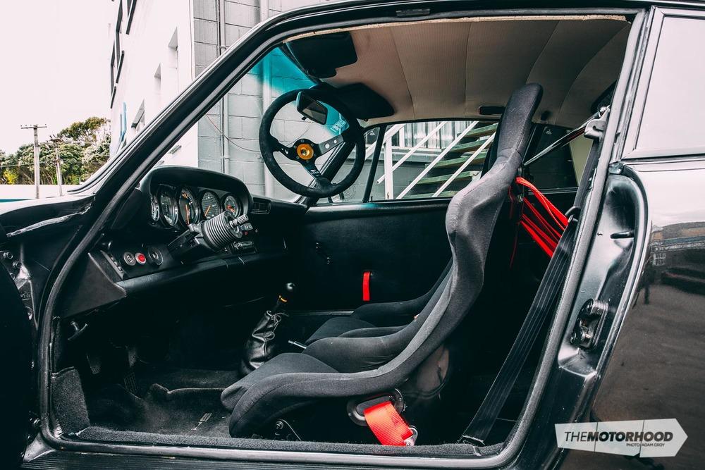 outlaw 911 1975 porsche 911 sc the motorhood. Black Bedroom Furniture Sets. Home Design Ideas