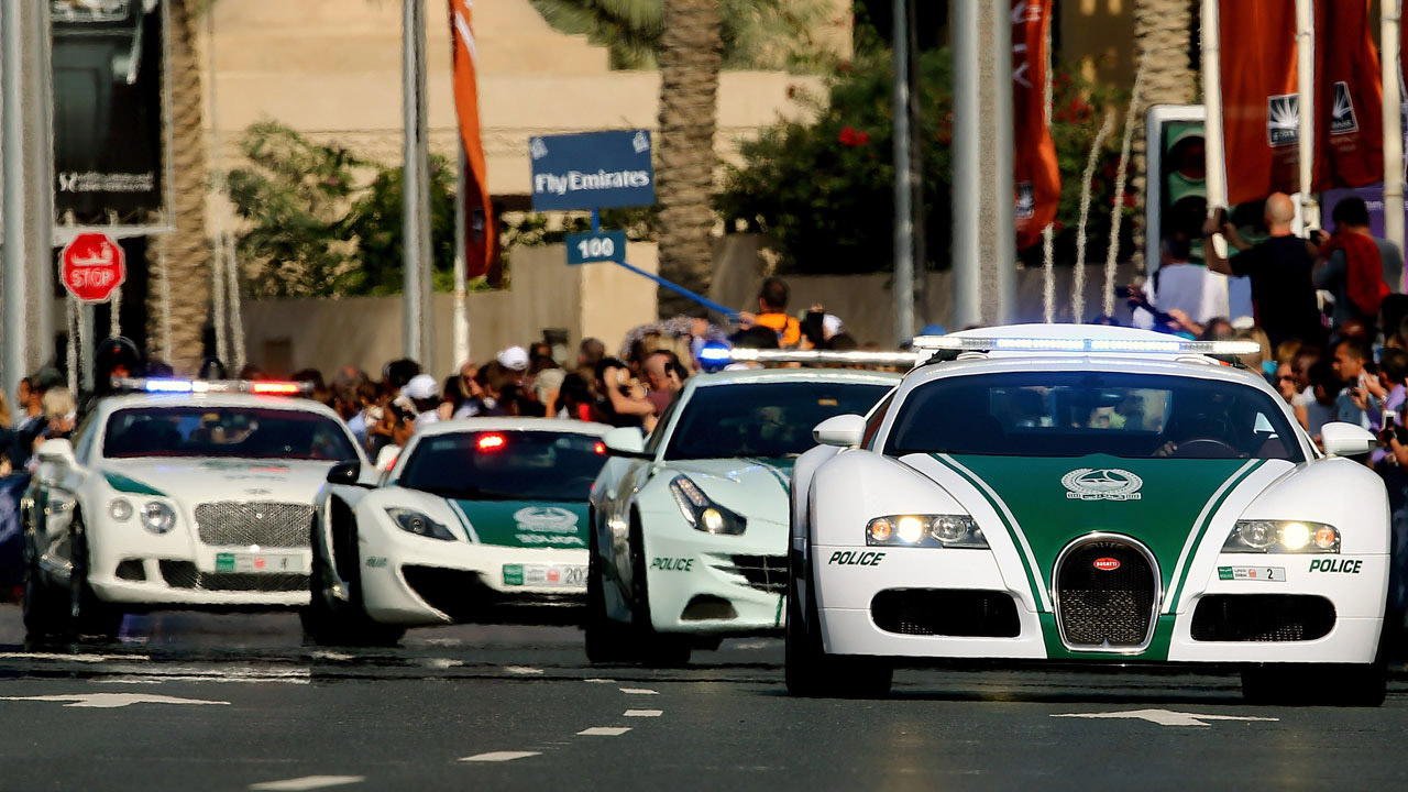Dubai Police Flex It: Worldu0027s Fastest Cop Cars