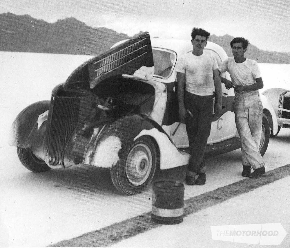 MT1 1951 bonneville.jpg