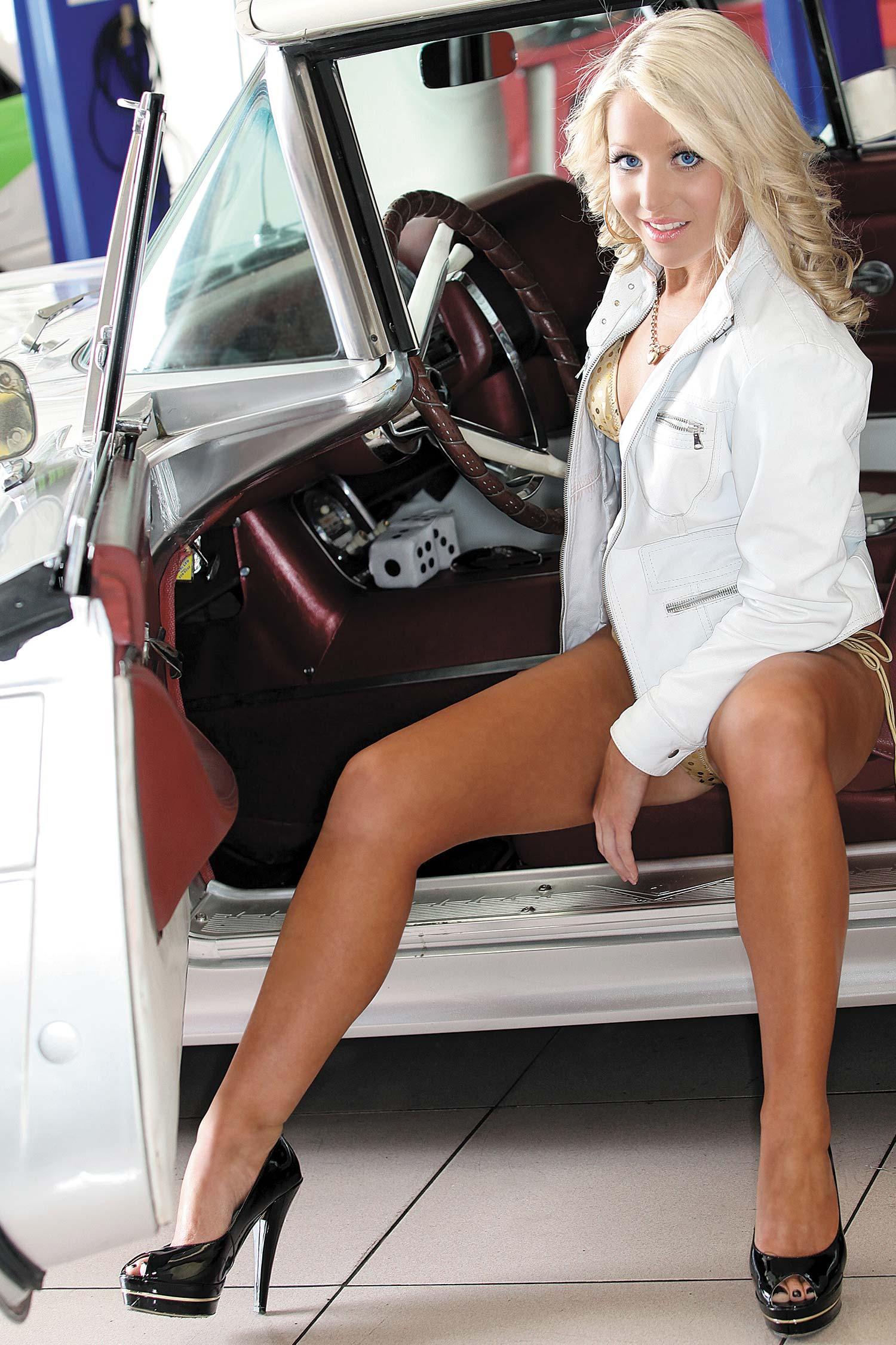 Wallpapers Mustang Pinup Car Girl Cars Women Models Muscle