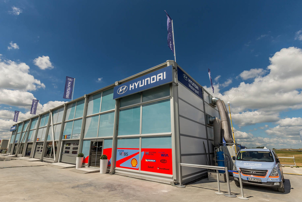 Hyundai Motorsport suite service park_2 by Michael Vettas, Vettas Media.jpg