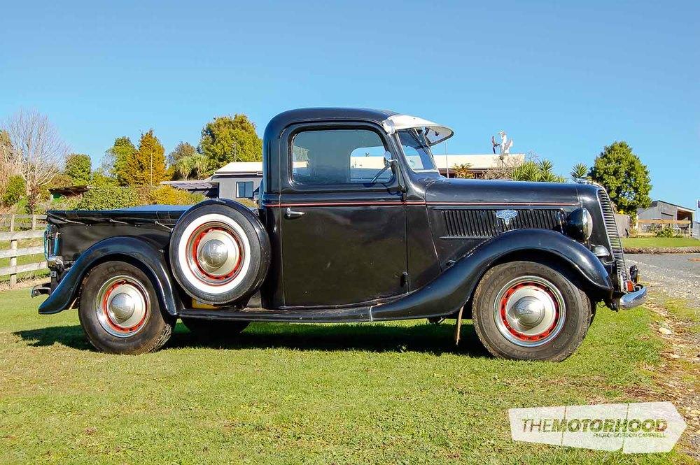 Fred & Kathy Boggiss, 1932 Ford Pickup (23).jpg