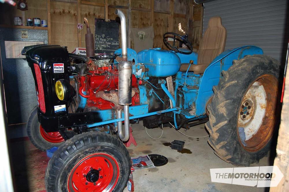 Fred & Kathy Boggiss, International V8-powered Fordson Tractor (112).jpg