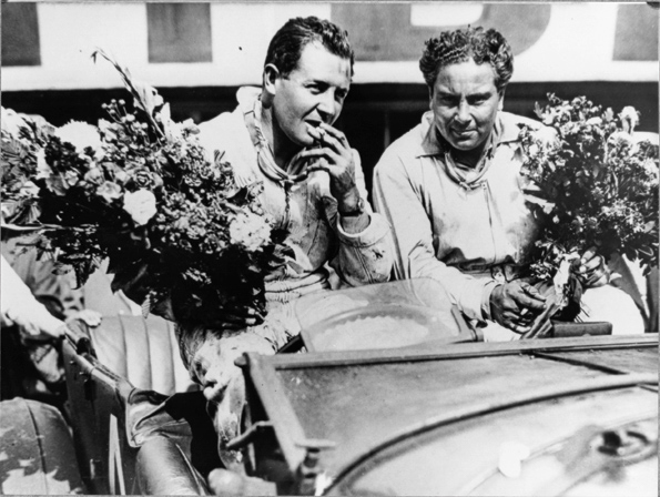 Glen Kidston (L) and Woolf Barnato after their famous 1930 Le Mans victory / Bentley Motors