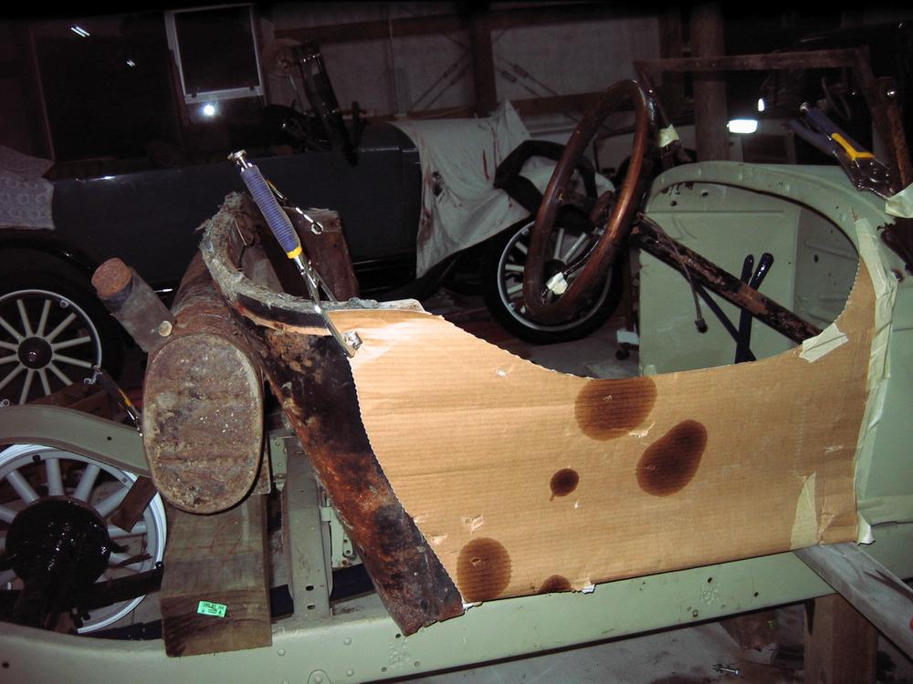 Nigel Fraser, Chevrolet Speedster under construction (3).jpg