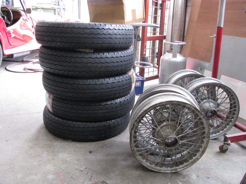 Tyres (Avons) arrive at Derek's-21.05.13.jpg