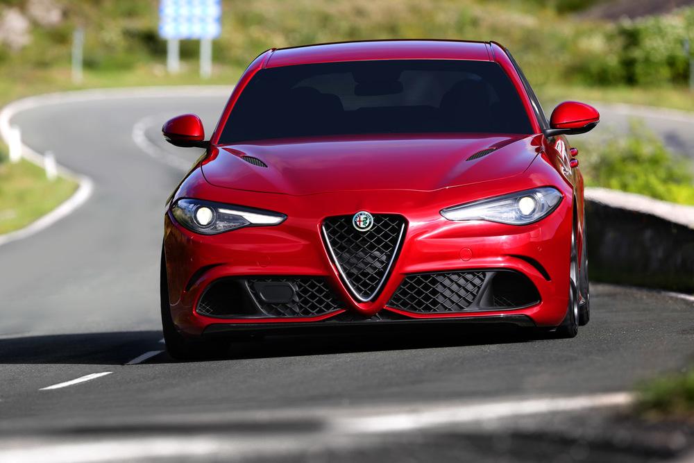 Alfa_Romeo_Giulia_010.jpg