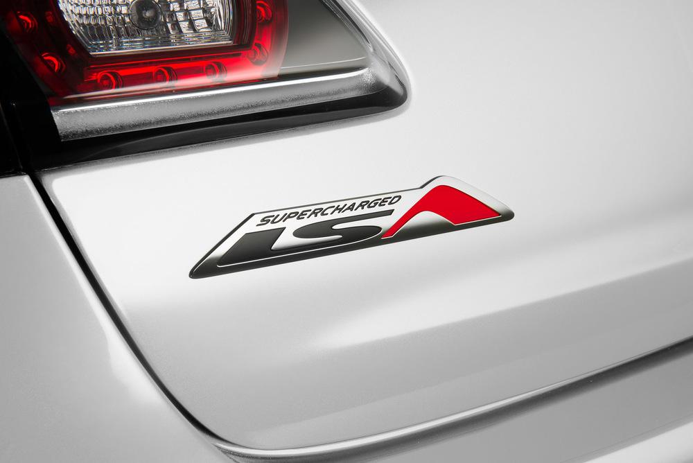 GEN-F2 ClubSport R8 LSA - LSA Badge Detail.jpg