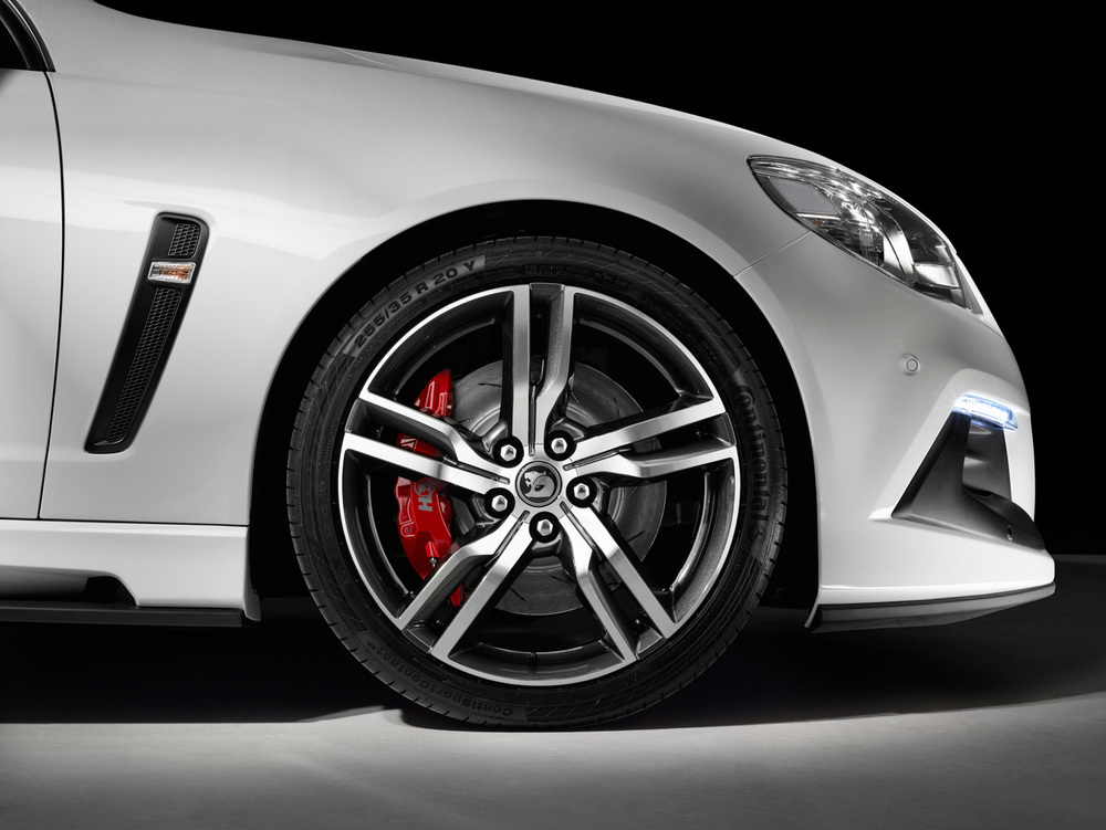 GEN-F2 ClubSport R8 LSA - Wheel Detail.jpg