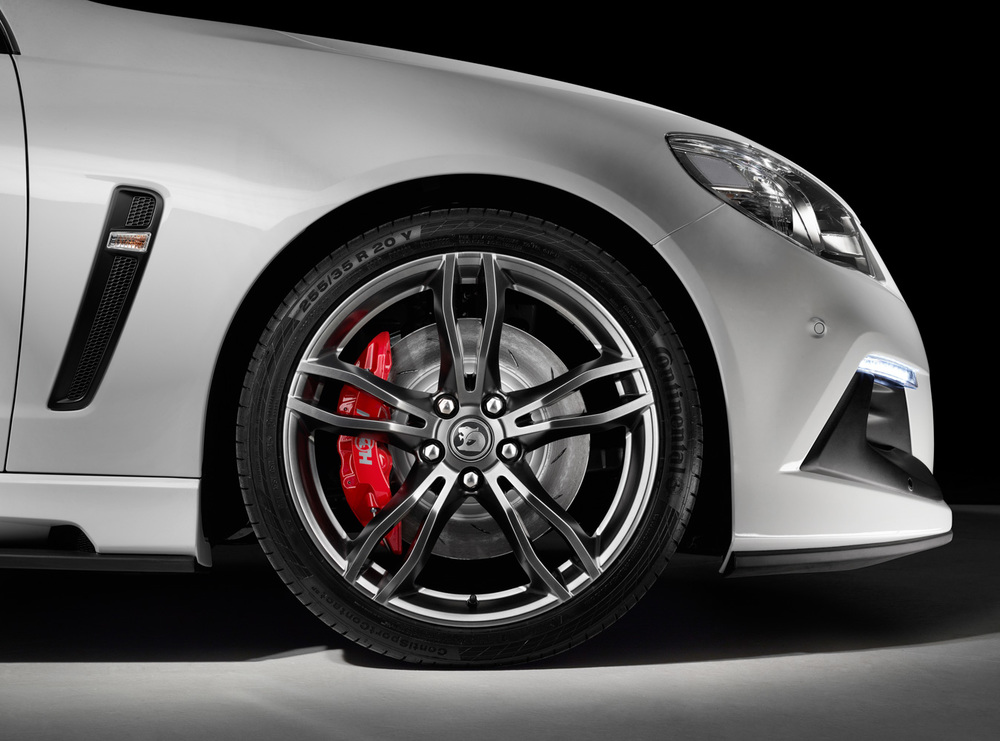 GEN-F2 Optional SV Rapier Wheel (shown on ClubSport R8 LSA).jpg