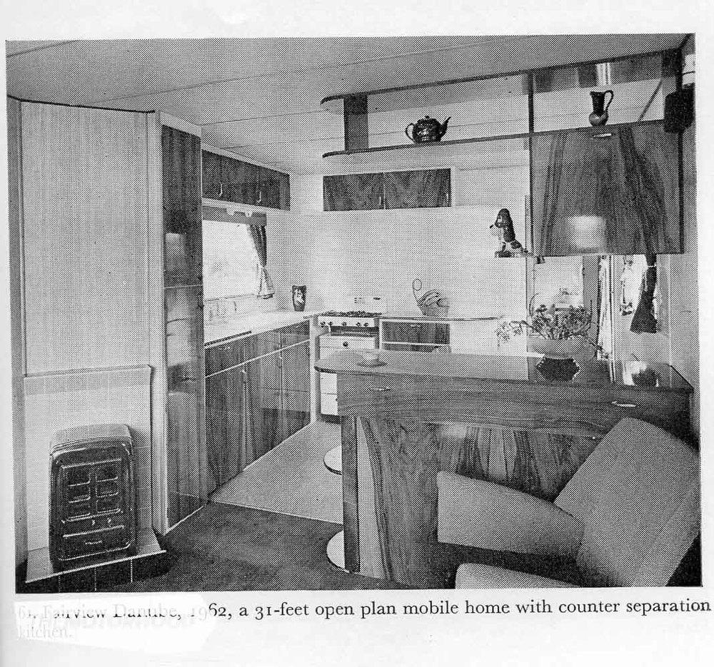 Caravan015.jpg