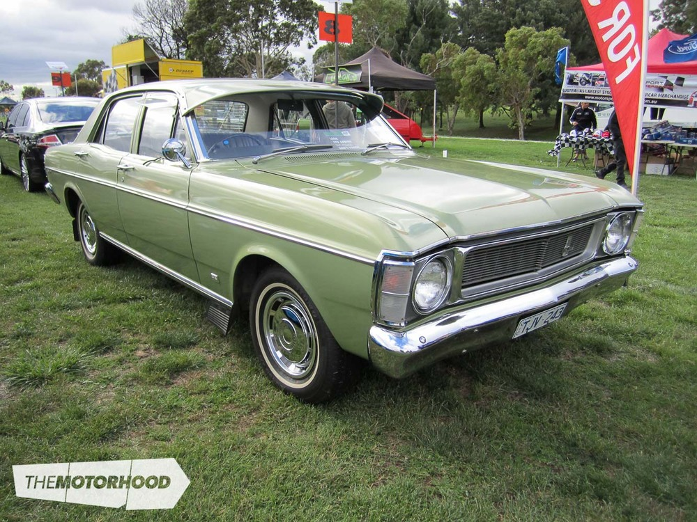 Ford_Falcon_XW_Sedan.jpg