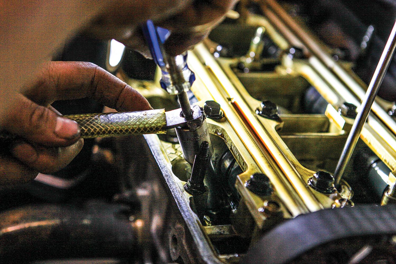 Honda tech: H22A valve adjustment — The Motorhood