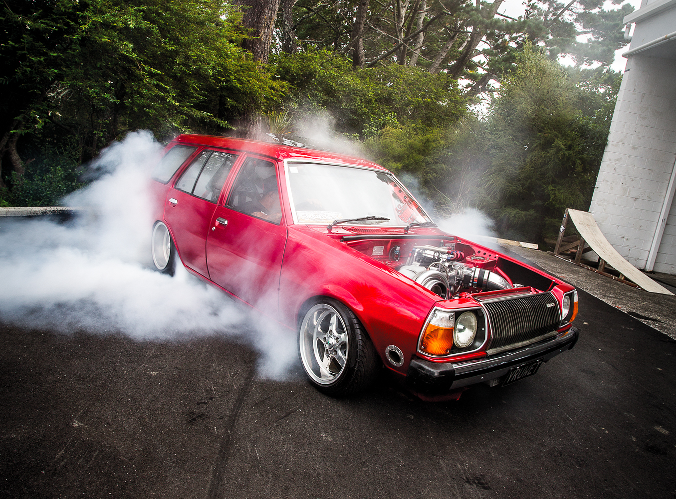 A Kiwi classic: a tyre-frying 13B turbo 323!