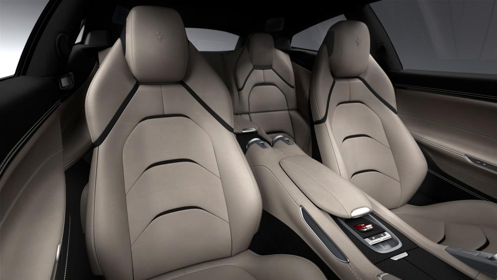 Ferrari_GTC4Lusso_interior_300dpi.jpg