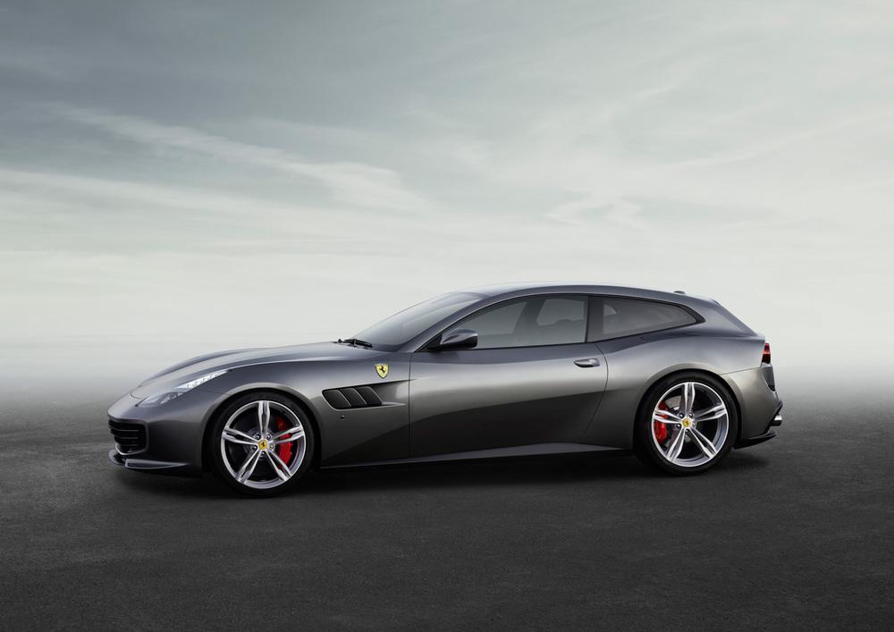 Ferrari_GTC4Lusso_side_LR.jpg