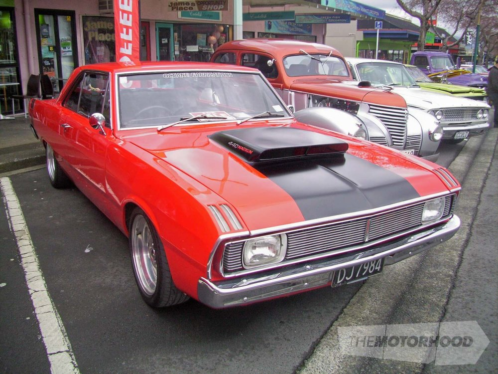 Richard Benn's 71 Chrysler Valiant.jpg